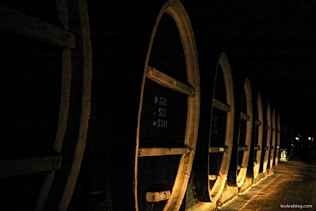 Mołdawia Moldova Wino MilestiMici Winnica Podziemia Beczki Eu Europe