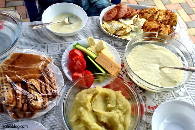 Wino Mołdawia Moldova MilestiMici Winiarnia kieliszek glass śniadanie breakfastinmoldova deliciousfood traveller traveler journey visitmoldova Eu Europe