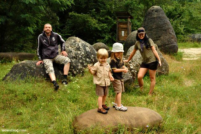 Rumunia Romania Eu Europe Easteurope Journey Travellers wyprawa wyjazd podróżnicy trovanty kamień stone kamienierosną pączkowanie geologia okolicehorezu wakacje przygoda travel adventure holiday