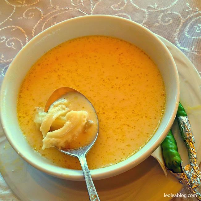 Rumunia Romania Eu Europe Easteurope zupa obiad ciorbadeburta journey travel travellers adventure podroznik podroz flaczki