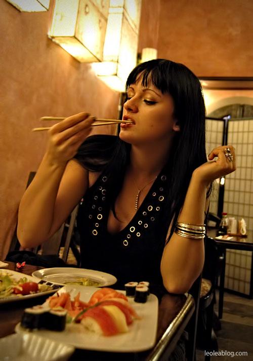 Dzieci Children Sushi Rynek Wrocław Wroclove Kids Child Dziecimogąsushi dzieciisushi polskiedziecijedząsushi przerwawpodróży sashimi maki nigiri sushiset set lunch lunchtime restaurant restauracja maru