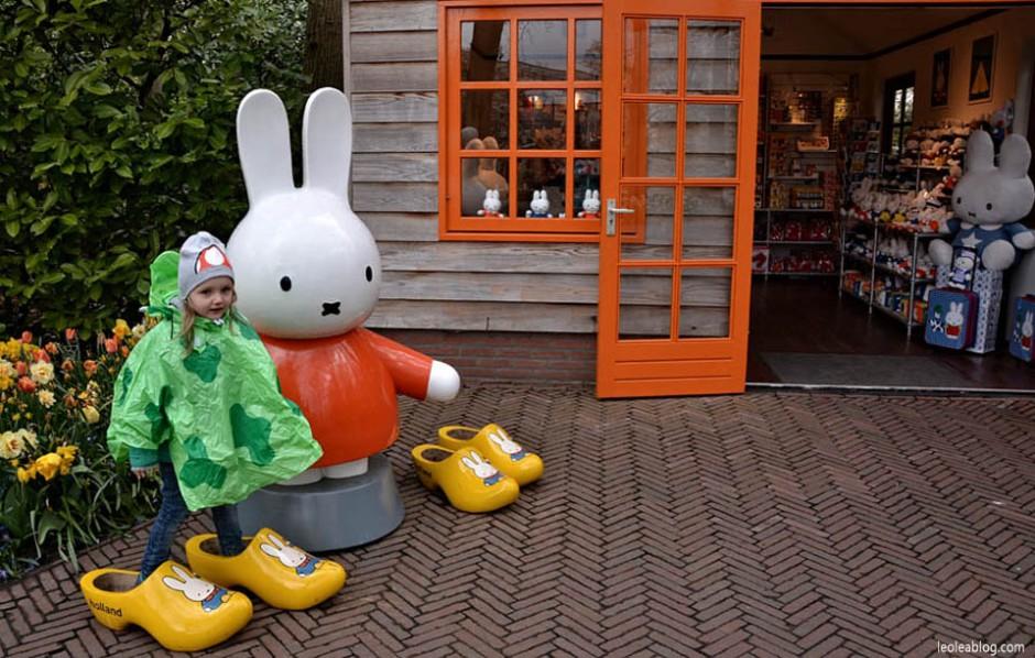 Keukenhof Holland Netherlads ogrod Dutch Flowers Kwiat Holandia Oranje Prideofholland Lea garden tulipany tulipans chodaki miffy nijntje