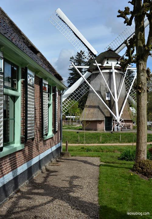 OpenluchtMuseum Holland Dutch Arnhem Holandia Netherlands Openairmuseum muzeum muzeumnaotwartympowietrzu skansen holenderskiskansen syrena mills młyn wiatrak wiatraki holdenderskiewiatraki holandiawpigułce warsztaty