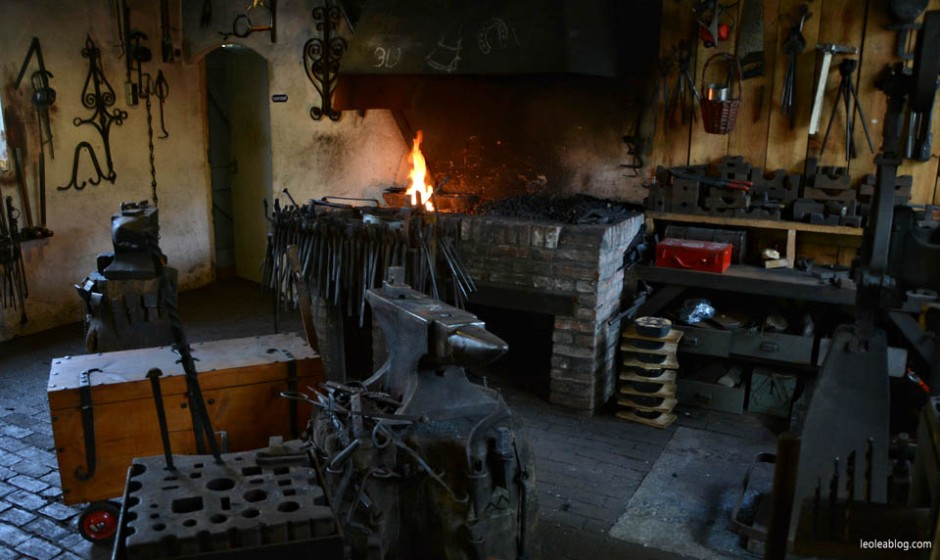 OpenluchtMuseum Holland Dutch Arnhem Holandia Netherlands Openairmuseum muzeum muzeumnaotwartympowietrzu skansen holenderskiskansen syrena mills młyn wiatrak wiatraki holdenderskiewiatraki holandiawpigułce warsztaty kowal blacksmith