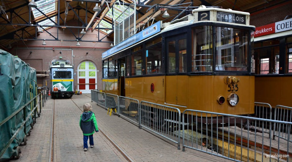 OpenluchtMuseum Holland Dutch Arnhem Holandia Netherlands Openairmuseum muzeum muzeumnaotwartympowietrzu skansen holenderskiskansen syrena mills młyn wiatrak wiatraki holdenderskiewiatraki holandiawpigułce warsztaty tram tramwaj peron zajezdnia