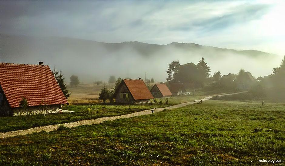 etnoselo etnoselomontenegro montenegro eu europe bałkany balcans journey holiday travel traveller traveler childrenplayground playground wioska czarnogóra podróże podróż