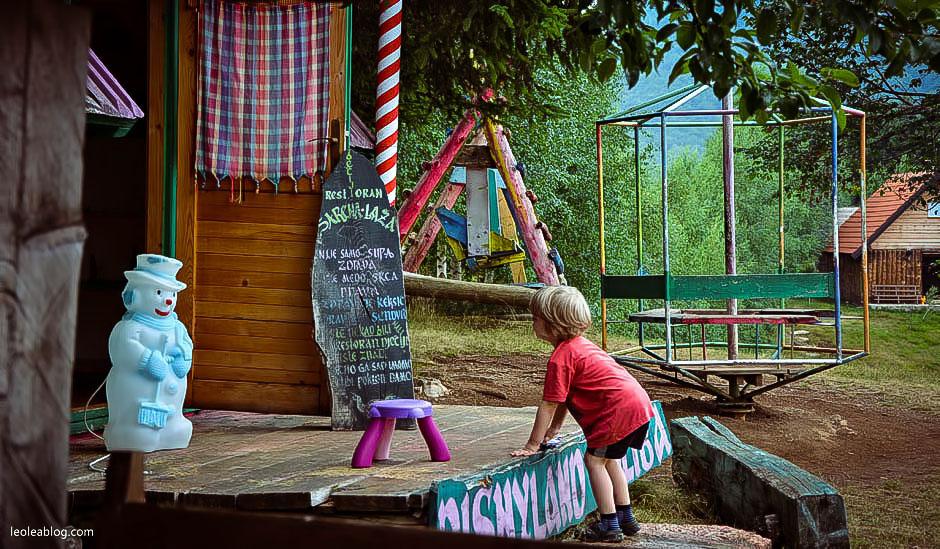 etnoselo etnoselomontenegro montenegro eu europe bałkany balcans journey holiday travel traveller traveler childrenplayground podróż podróże podróżezdziećmi playground wioska czarnogóra