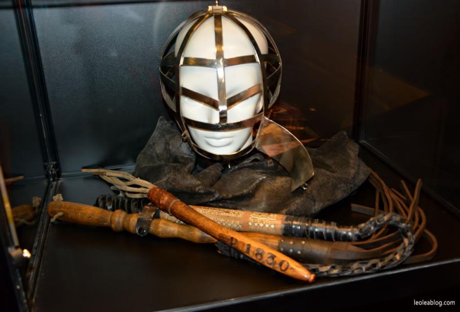 eroticmuseumamsterdam muzeumerotykiamsterdam amsterdam holandia capital bizarremuzeum erotic muzeumerotyki pejcz maska mask eroticmask