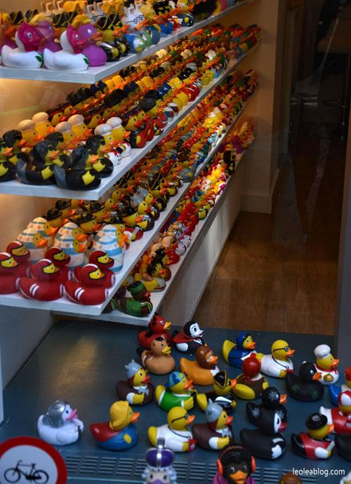 rubberducks duck bathducks kaczkadokąpieli dutchstyle dutch holland holandia netherlands dutchshop ducksshopamsterdam toys zabawki gumowakaczka