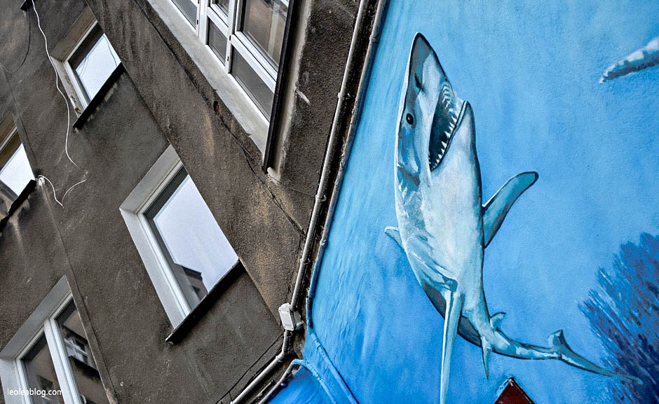 wrocław wroclove dolnyśląsk wrocławskieulice ulica wrocławskaulica roosveltastreet mural urban urbanart art streetart wallpaint polska poland polishart shark rekin