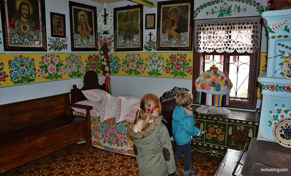 zalipie village wieś polska poland rural travel podróż zdzieckiem folklor malowane chaty muzeum